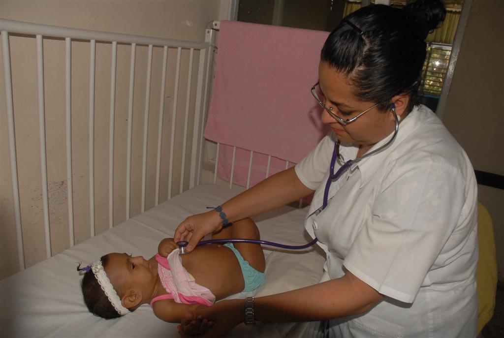 La colaboración de los cubanos en la esfera de la salud y la educación es reconocida a nivel internacional.