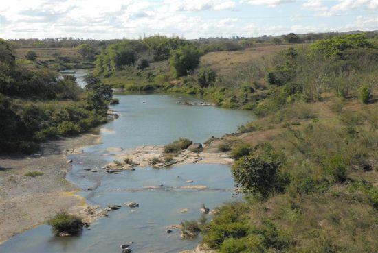 Cerca de 250 mil habitantes viven en los entornos de la cuenca.