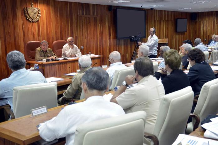 Los miembros del Consejo de Ministros aprobaron también la política para simplificar e integrar los servicios y trámites que realizan en la actualidad las personas naturales y jurídicas Foto: Estudio Revolución