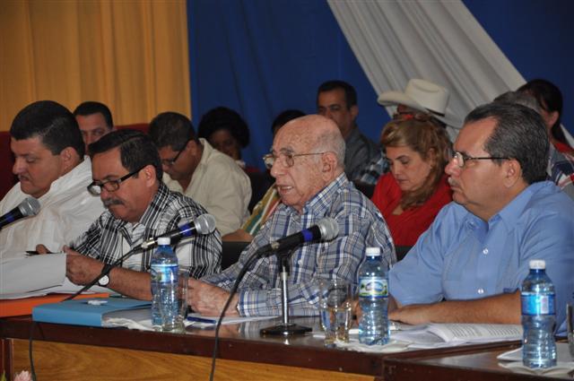A la sesión en Sancti Spíritus asistió José Ramón Machado Ventura, segundo secretario del Comité Central del Partido.