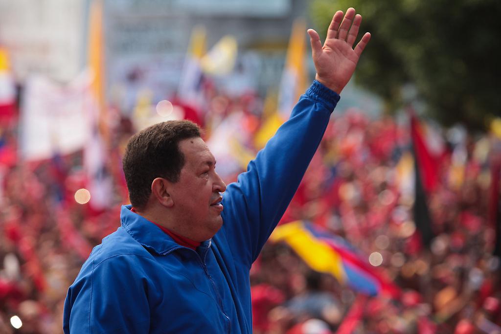 Chávez desarrolló un proyecto basado en la inclusión y la justicia social, y tras una batalla contra el cáncer, falleció el 5 de marzo de 2013.