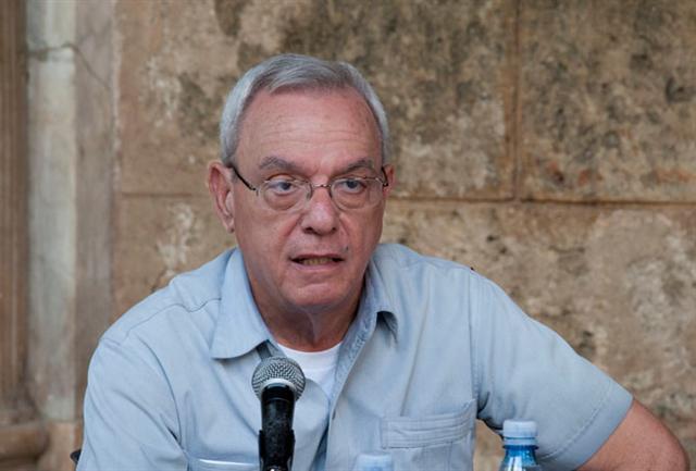 Los pueblos del mundo clamaron durante años por el cese del bloqueo y la hostilidad contra Cuba, aseguró Eusebio en Dominicana.