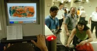 La Aduana cubana informó de la desarticulación de 43 pequeñas operaciones de contrabando en los aeropuertos.
