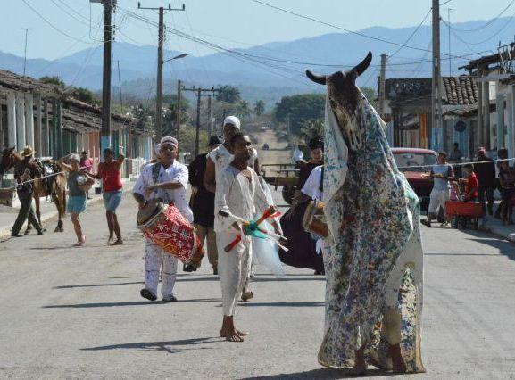 Los participantes visitaron poblados del Plan Turquino para llevar el teatro a sus moradores.
