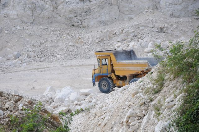 La cantera Nieves Morejón tiene agotada sus reservas de piedra de construcción.