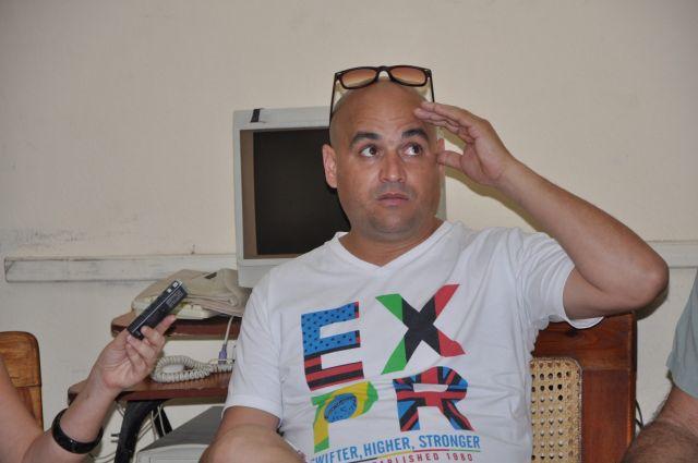 El destacado humorista, Premio Caricato 2014, revela a Escambray intimidades de Vivir del cuento.