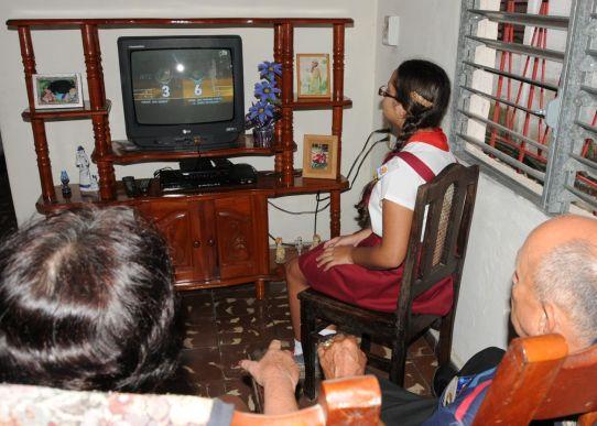Durante las últimas semanas se han presentado algunas interrupciones en la señal de audio de la televisión.  Foto Brito.