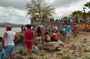 Playa La Boca devino el escenario propicio para el torneo de pesca deportiva para capturar el pez león (foto: Carlos Luis Sotolongo).