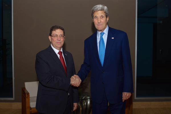 El departamento de Estado publicó en Twitter una fotografía donde se ven ambos diplomáticos.