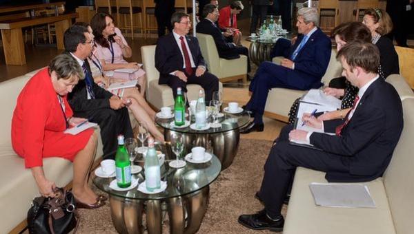 Bruno y Kerry se reunieron en Panamá previo a la Cumbre de las Américas. | Foto: La Estrella de Panamá