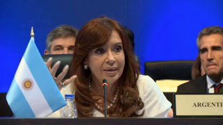 Cristina Fernández  resaltó la presencia cubana en el cónclave hemisférico.