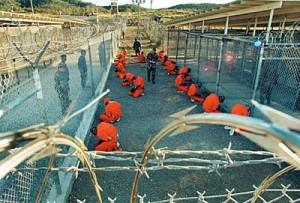 En la actualidad, en la Base Naval de Guantánamo continúan 122 personas presas.