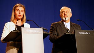 La jefa de política exterior de la Unión Europea (UE), Federica Mogherini; y el ministro iraní de Relaciones Exteriores, Mohammad Javad Zarif, anunciaron el entendimiento.