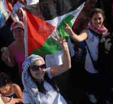 Entre los visitantes figuran sindicalistas,  grupos de solidaridad y movimientos sociales.