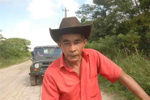 Según Arnaldo Rodríguez, para la comunidad de Polo Viejo no hubo mejor regalo que la reconstrucción del camino de acceso. (Foto: Vicente Brito).