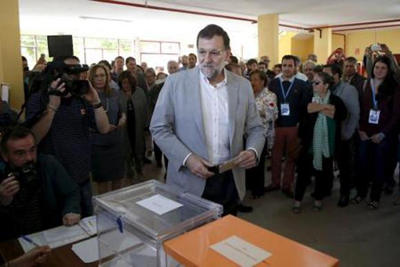 El Partido Popular ganó en votos pero salió debilitado al perder mayorías regionales y ciudades clave.