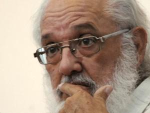 El objetivo de destruir la Revolución persiste, alertó el periodista cubano residente en Miami, Andrés Gómez.