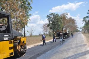 Comunales ha dado prioridad al asfaltado y bacheo de viales urbanos y rurales.