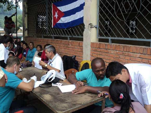 cuba, nepal, medicos cubanos, terremoto en nepal