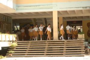 Cerca de 5 000 estudiantes y trabajadores de Secundaria Básica reciben gratuitamente la merienda escolar.