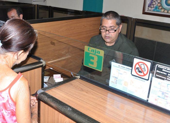 José Alberto Portilla, cajero por más de 30 años en el Banco.