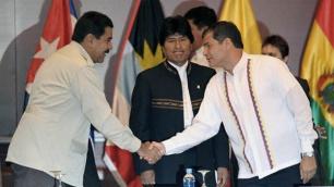 Mientras ello ocurre, los gobiernos de América Latina ratifican su solidaridad al presidente Correa.
