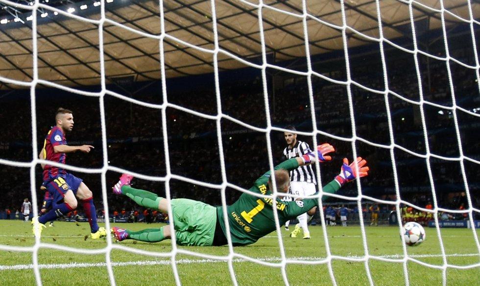 Morata acudió al rechace para anotar con facilidad.