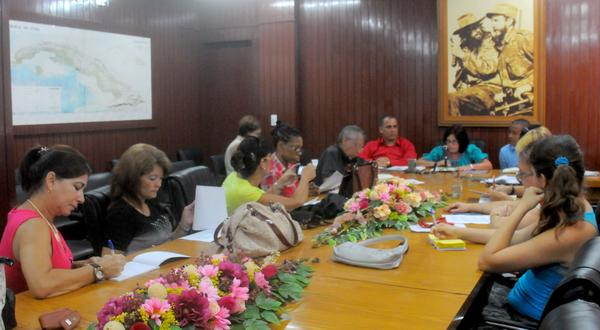 Conferencia de Prensa sobre las adecuaciónes de la Enseñanza Secundaria. Foto AIN.
