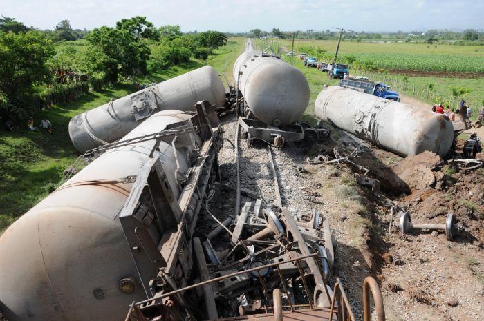 sancti spiritus, accidente ferroviario, cemento, ferrocarril central, cabaiguan