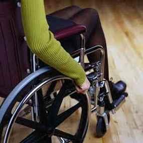 La estrategia concibe a los discapacitados como sujetos de derechos con capacidades diferentes.