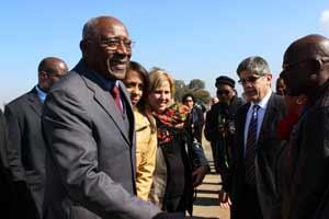 Valdés encabeza la delegación de la isla a la Cumbre de la Unión Africana.