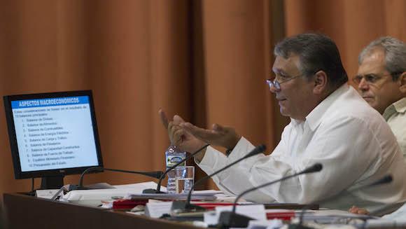 Marino Murillo Jorge  rindió el informe sobre la ejecución del Plan de la Economía.