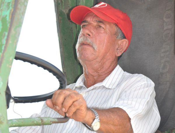 A sus 64 años, Guelmes no piensa en el retiro. Foto Vicente Brito.