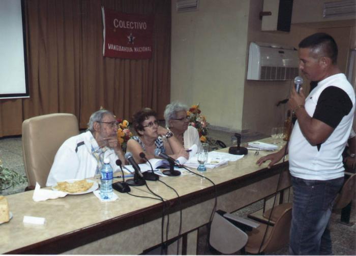 Fidel en el Instituto de Investigaciones de la Industria Alimentaria. Foto: Estudio Revolución.