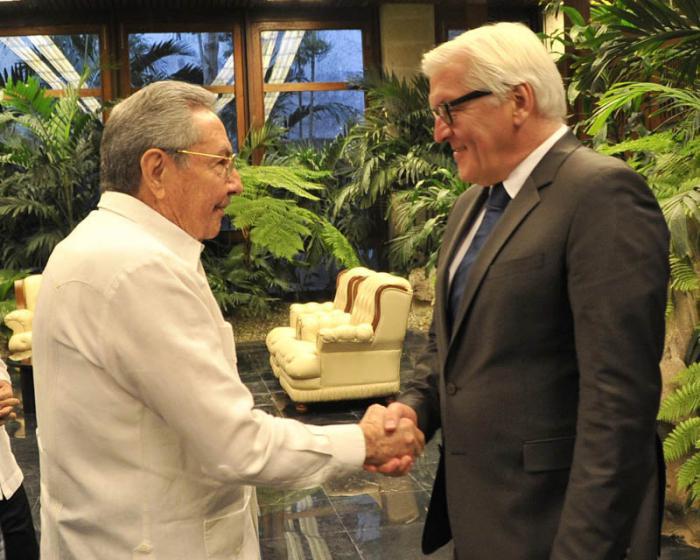 Raúl se reunión este jueves con el ministro alem´n de reñaciones Exteriores. Foto: Estudio Revolución