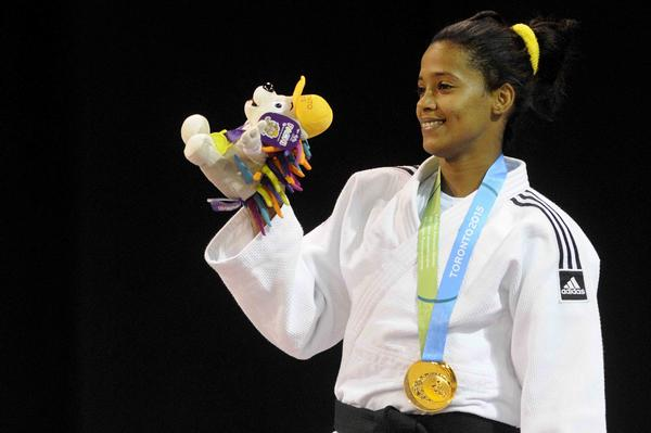 La espirituana Dayaris Mestre, ganadora de la primera medalla de oro de Cuba en Toronto. Foto AIN