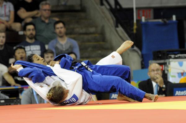 Dayaris  (Azul) derrotó en la final a Paura Paleto, de Argentina. Foto AIN.