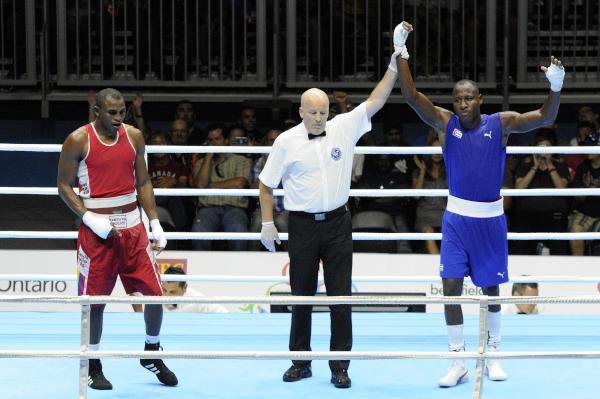 El boxeo se hizo de tres de los primeros cinco títulos conferidos.
