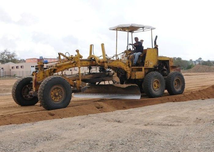 La colaboración espirituana en el sector de la Construcción incluye a albañiles y operadores de equipos, entre otras especialidades técnicas.