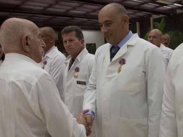 cuba, medicos cubano, africa, africa occidental, raul castro, presidente cubano