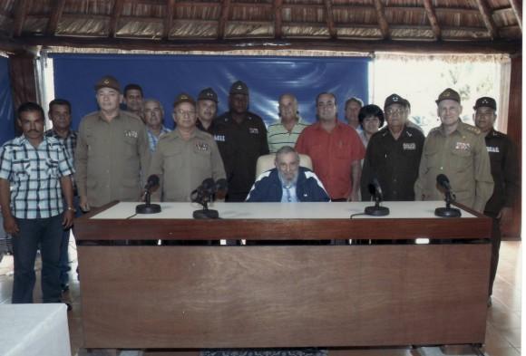 Fidel Castro sostuvo encuentro con trabajadores destacados en la producción de alimentos. Foto: Estudios Revolución