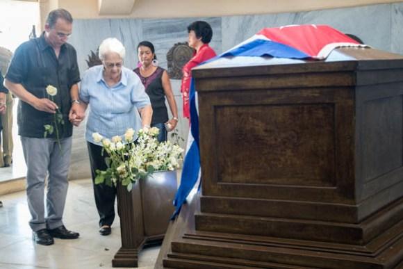 Los Cinco rinden homenaje a Martí en Santa Ifigenia