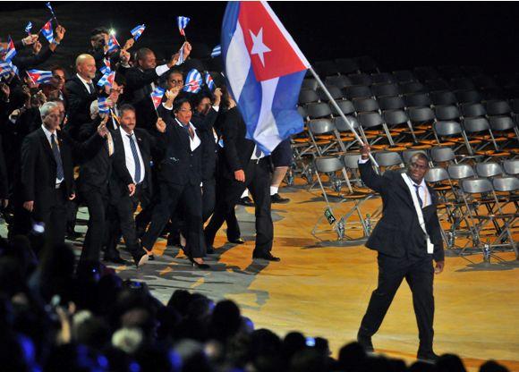 La delegación cubana desfiló durante la inaguración de los Juegos Panamericanos Toronto 2015. Foto Granma.