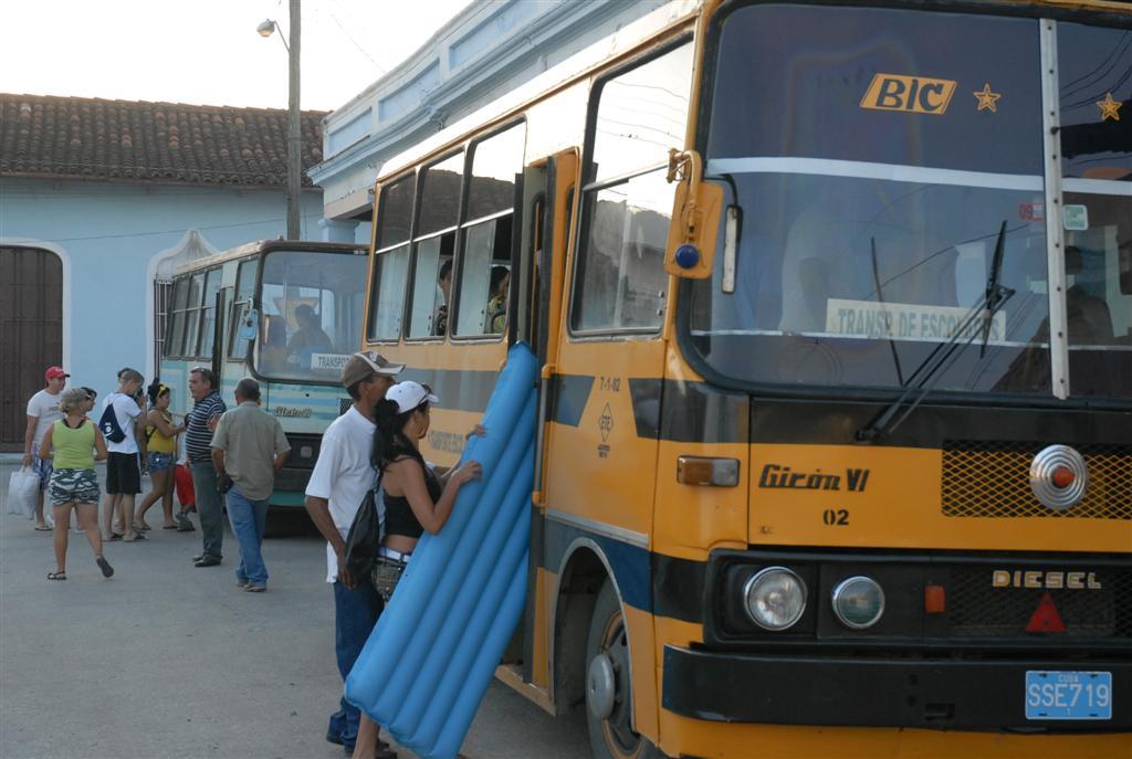 Los viajes hacia las playas se organizarán a través de los Consejos Populares. Foto Reidel Gallo.
