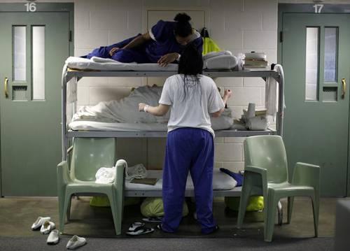Área común en la prisión para mujeres de Los Ángeles, California. Foto La Jornada.
