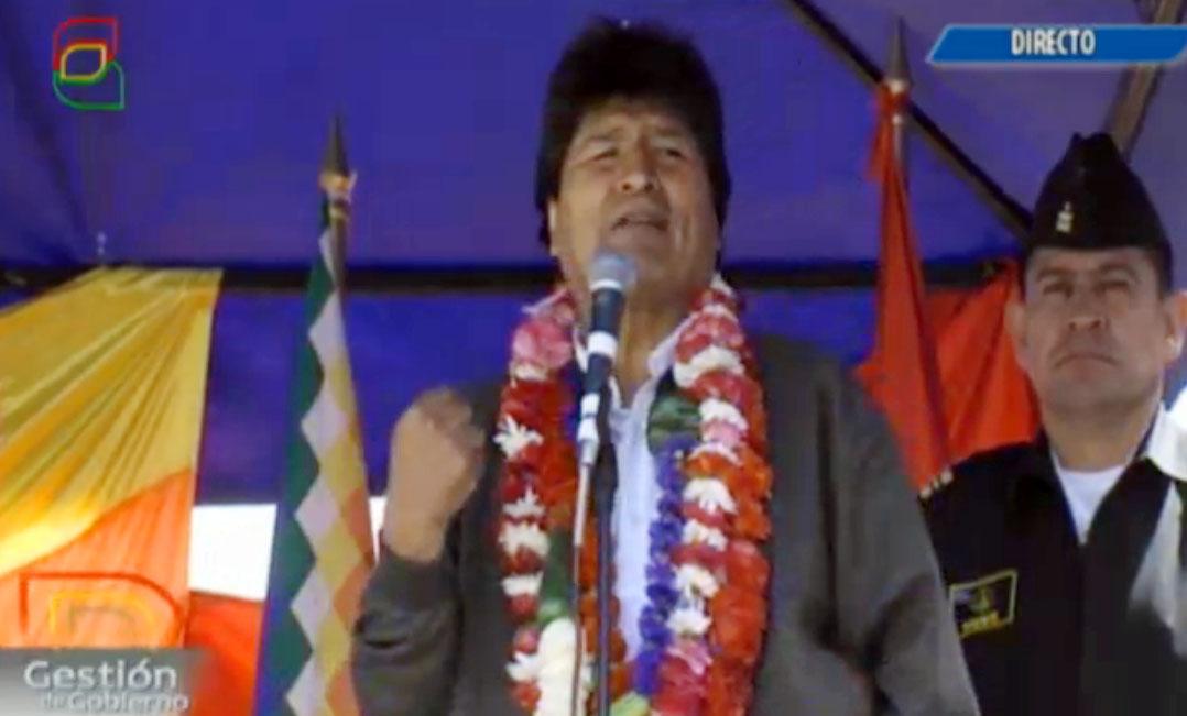 Evo llamó a los pueblos originarios, proletarios y movimientos sociales de Ecuador a sostener al gobierno de Correa.