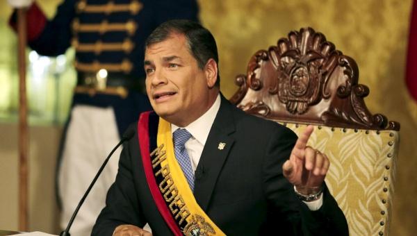 Los ciudadanos son los que tienen que proteger las carreteras, la obra pública, todo lo alcanzado, aseguró Correa.