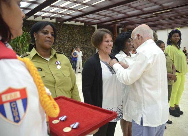 cuba, federacion de mujeres cubanas, fmc, distincion 23 de agosto