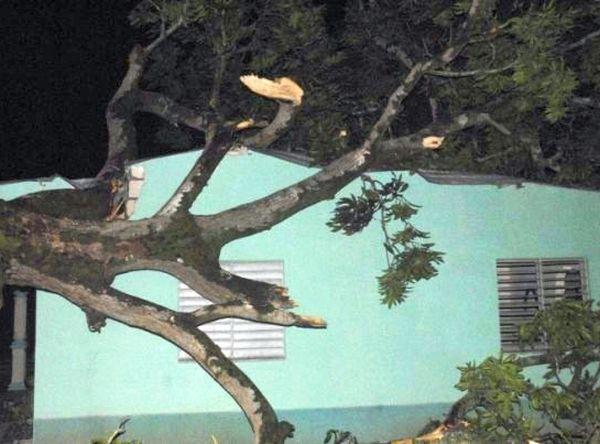 Tormenta local severa provoca afectaciones de significación en Jatibonico. (foto: Reídle Gallo)