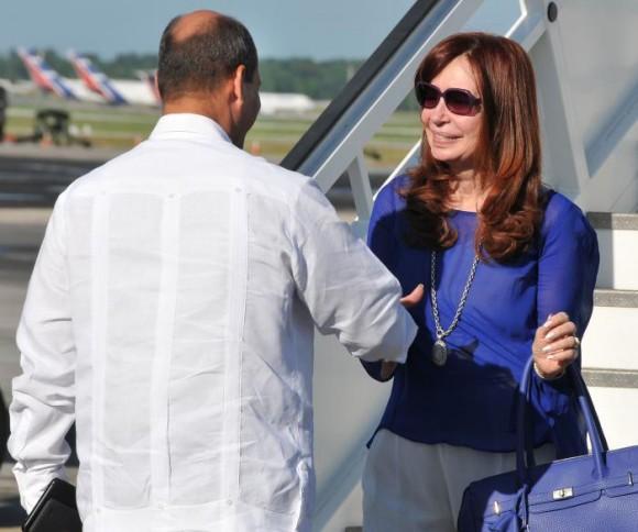 La Presidenta de Argentina, Cristina Fernández de Kirchner,llegó a Cuba en la mañana de este sábado en visita oficial.